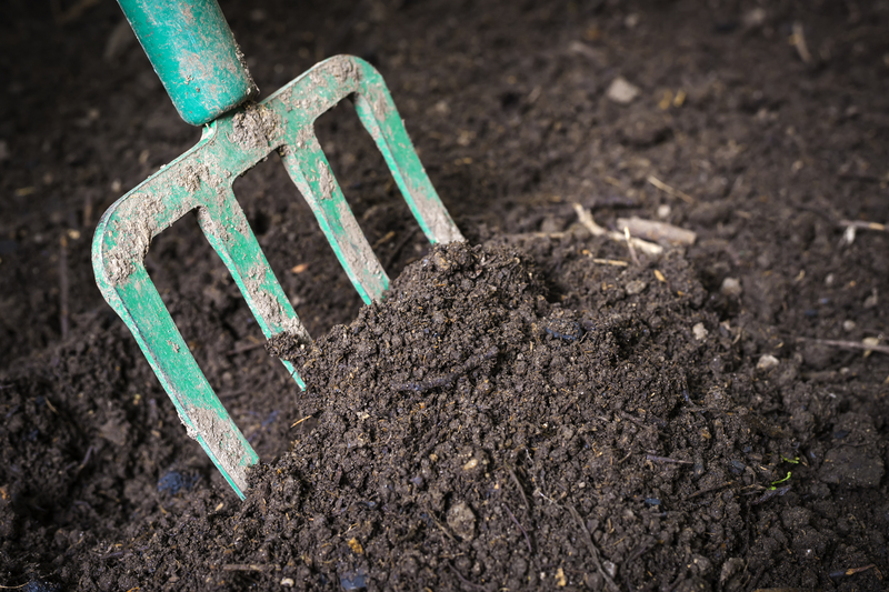 What Constitutes Good Soil? - Soil Kings - Bulk Landscaping Supplies - Featured Image